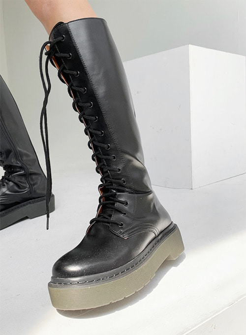 long eyelet boots / L size 3월 입고예정