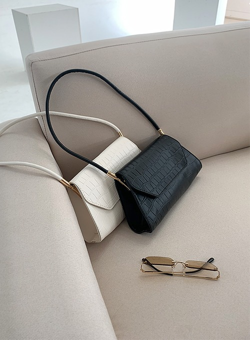 classic trapezoid bag (2colors!) 블랙 당일발송