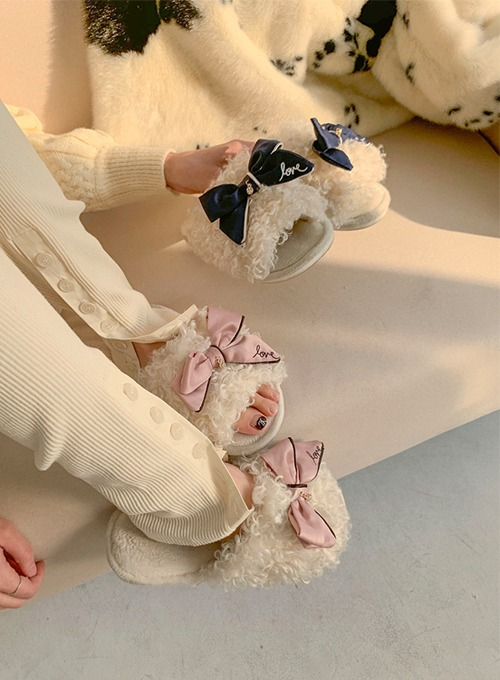 ribbon fur slippers (2colors!)