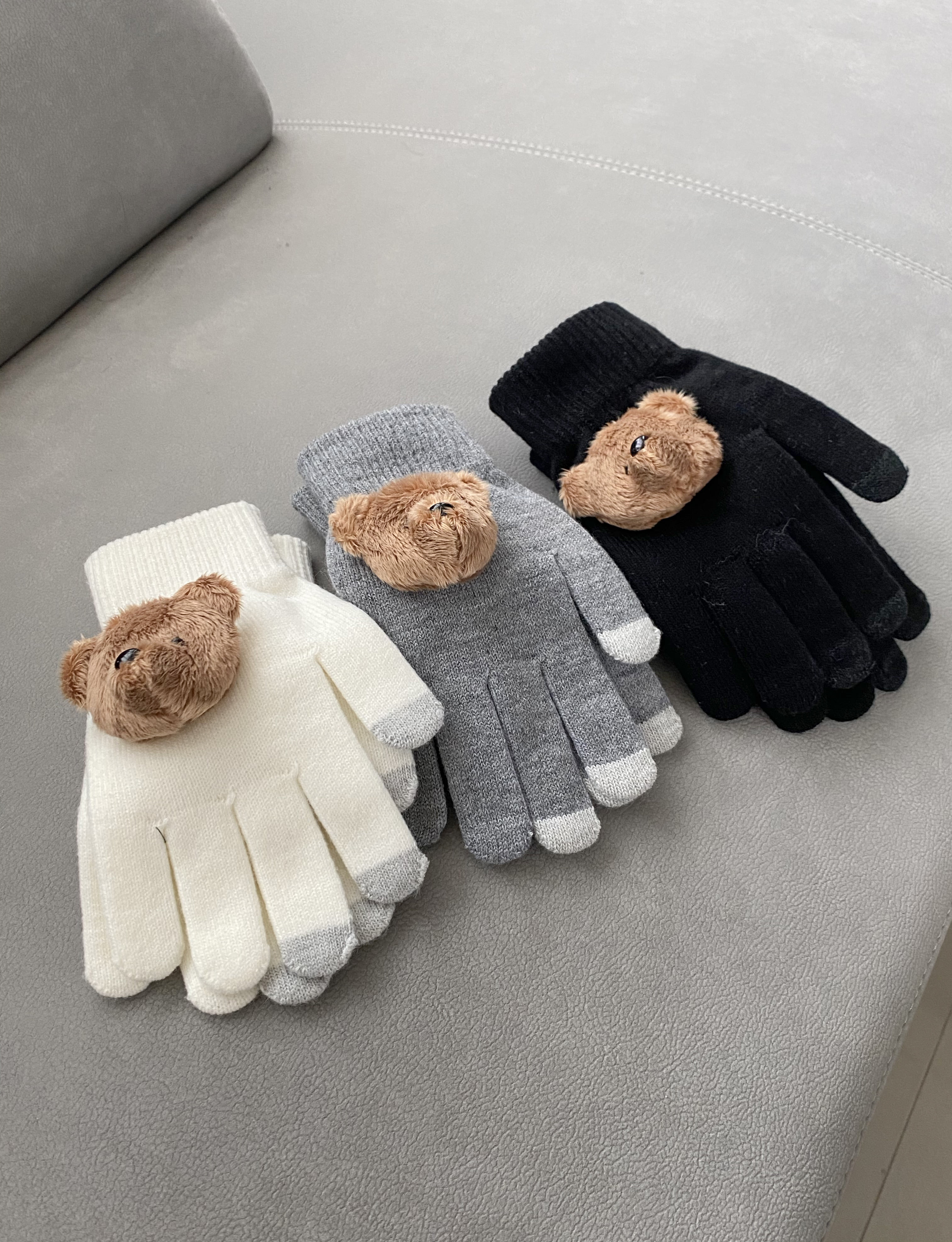 bear touch gloves