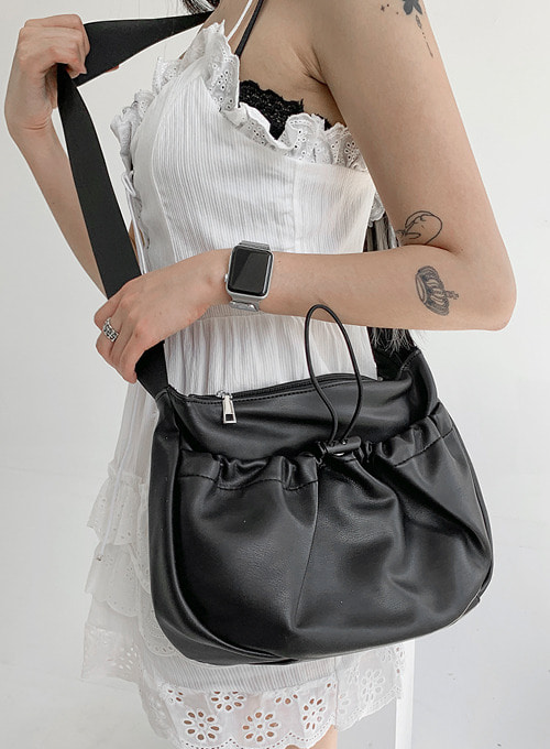 half moon messenger bag (2colors!) 당일발송